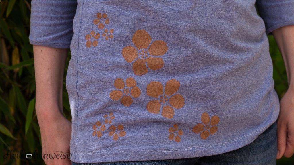 Fledermausshirt nach eigenem Schnitt, Textildruck mit Schablone