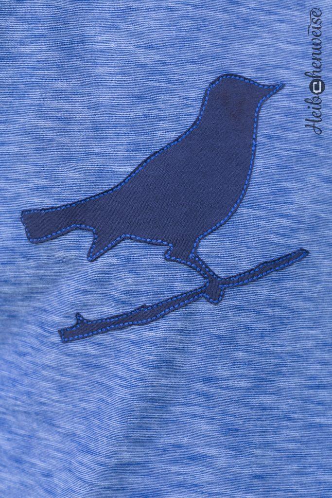 Fledermausshirt nach eigenem Schnitt, Vogelaplikation