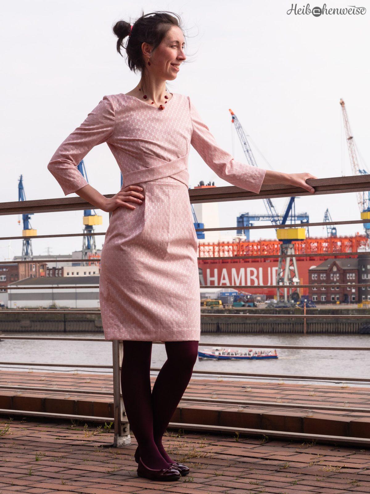 """""""Heibchen an Küste"""" mit Glamour Kleid  (Burda)"""